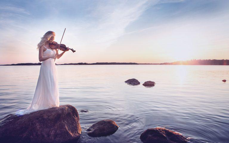 Elisa Järvelä viulisti