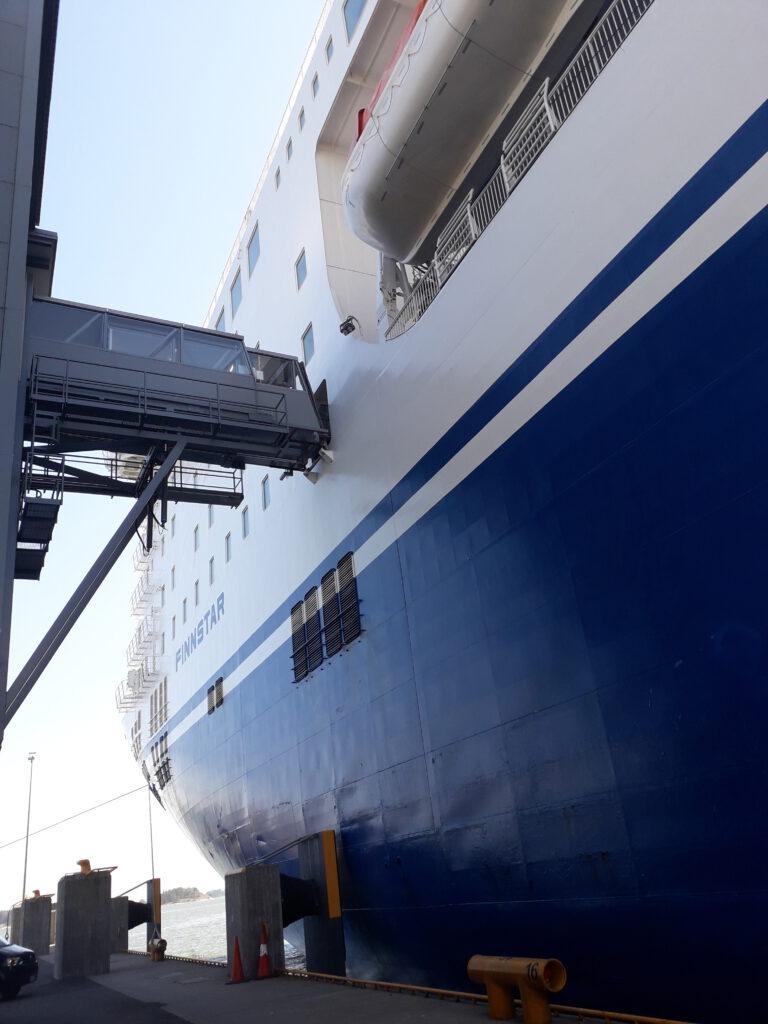 Laivat odottavat kesämatkustajia ja artisteja